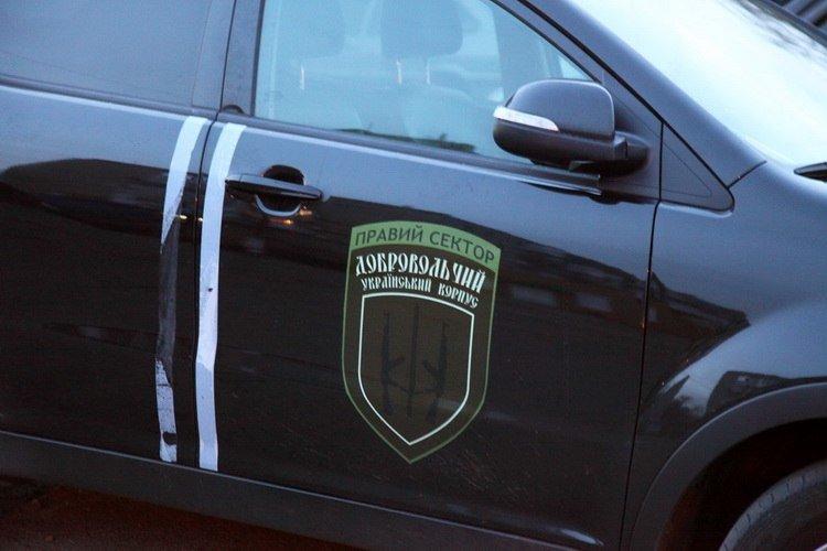 Стрельба в Васильевке: возле ОВК №79 произошла стычка двух группировок «Правого сектора» с применением оружия, - СМИ (ФОТО), фото-5