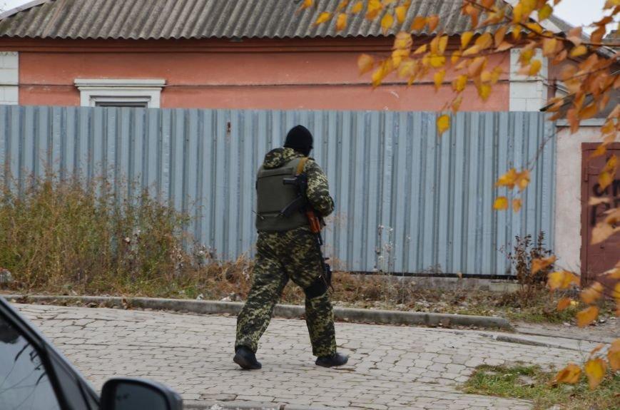 В Мариуполе вооруженные люди окружили здание «Мариупольтеплосети» (ФОТО+Дополняется), фото-12