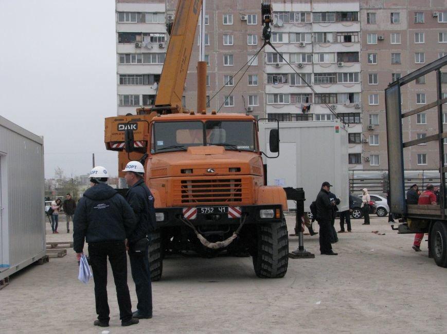ФОТОРЕПОРТАЖ: в Запорожье начали монтаж городка для беженцев, фото-6