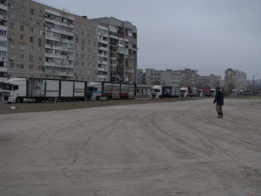 ФОТОРЕПОРТАЖ: в Запорожье начали монтаж городка для беженцев, фото-2