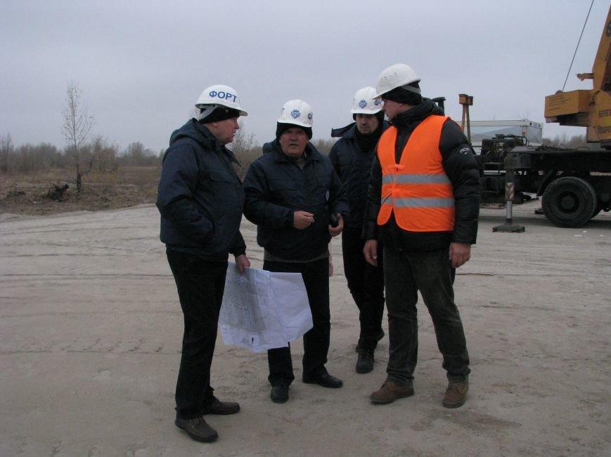ФОТОРЕПОРТАЖ: в Запорожье начали монтаж городка для беженцев, фото-3