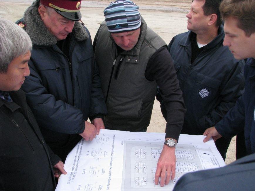 ФОТОРЕПОРТАЖ: в Запорожье начали монтаж городка для беженцев, фото-4