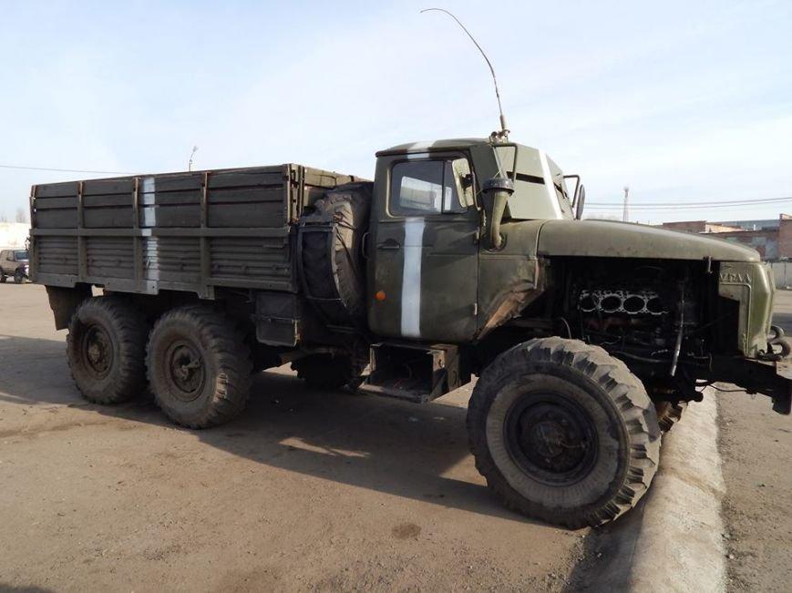 Уманські механіки відремонтують військовий автомобіль (фото), фото-1