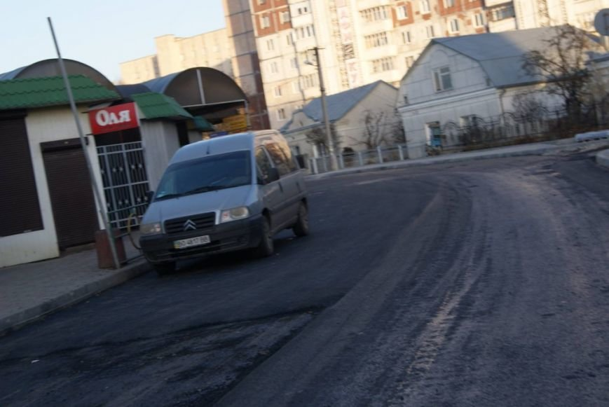 Тернопільські комунальники ремонтують дорогу на Оболоня (фото), фото-2