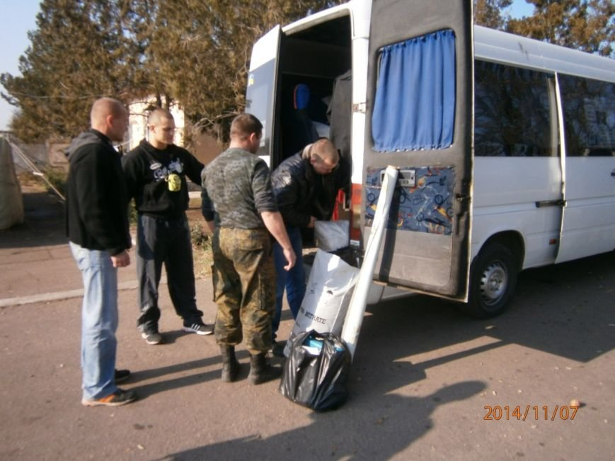 Гуманитарную помощь бойцам Нацгвардии доставили криворожские волонтеры (ФОТО), фото-3