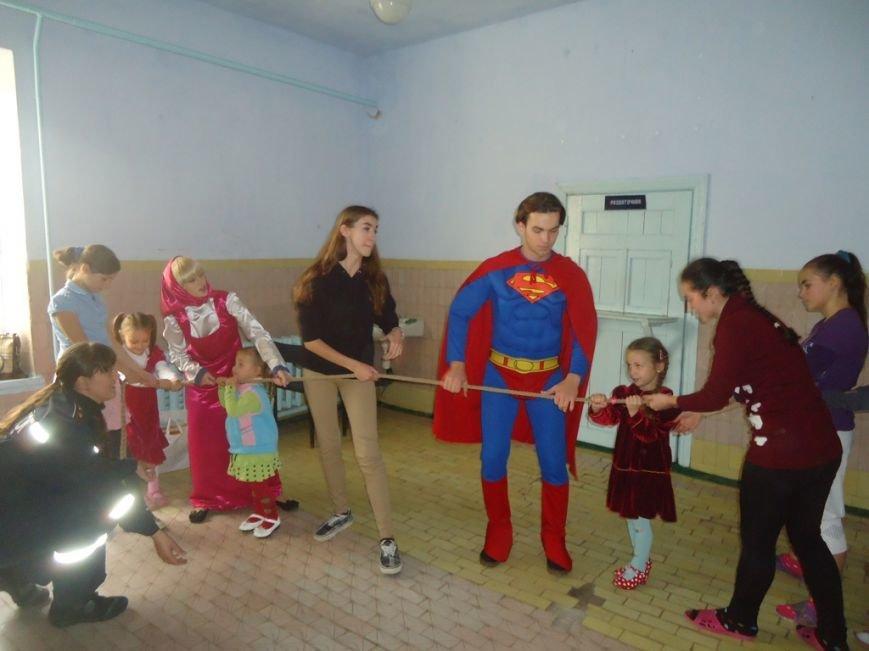 Херсонский спасатели устроили праздник детям-переселенцам, фото-3
