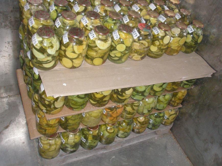 Мариупольские осужденные запаслись капустой и консервами (ФОТО), фото-3