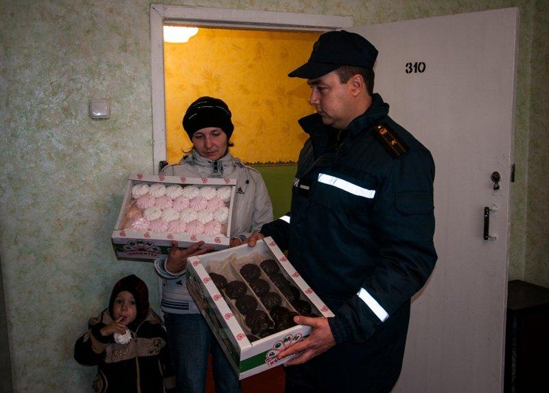 Сумские спасатели помогают вынужденным переселенцам (ФОТО), фото-4