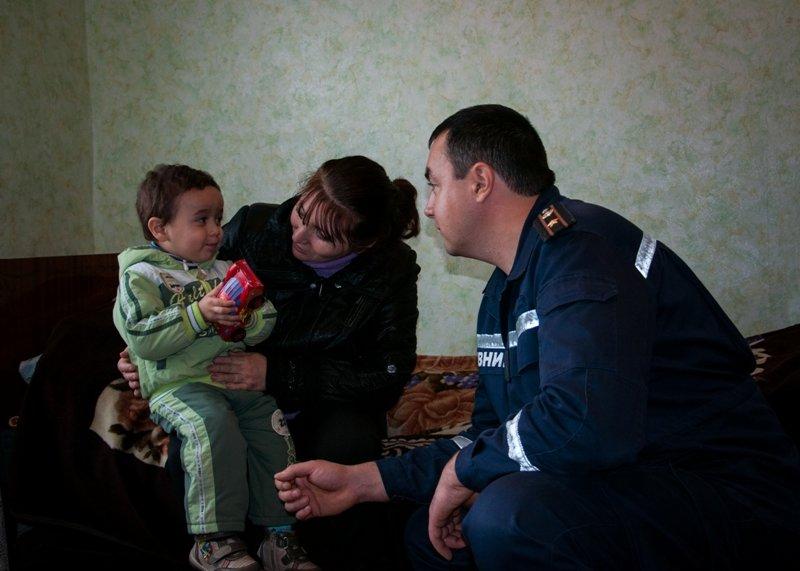 Сумские спасатели помогают вынужденным переселенцам (ФОТО), фото-3