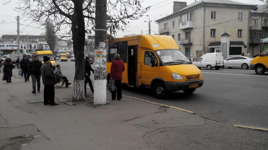 В Сумах проверили, как маршрутные такси перевозят инвалидов. Оказалось никак (ФОТО), фото-2