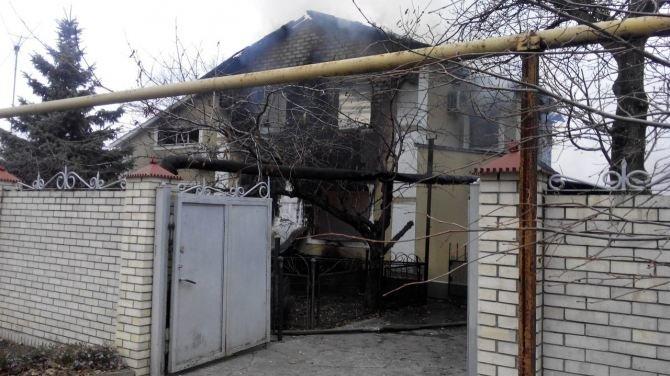 Последствия боевых действий: в Авдеевке снаряд попал в жилой дом (ФОТО, ВИДЕО), фото-2