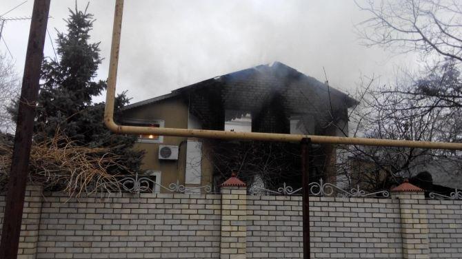 Последствия боевых действий: в Авдеевке снаряд попал в жилой дом (ФОТО, ВИДЕО), фото-3