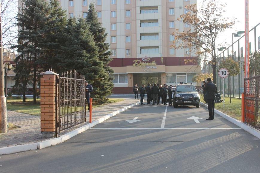 Милиция Кривого Рога  обезвредила бандита, угрожавшего гранатой (ФОТО), фото-2