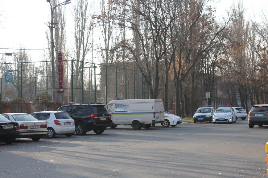 Милиция Кривого Рога  обезвредила бандита, угрожавшего гранатой (ФОТО), фото-7