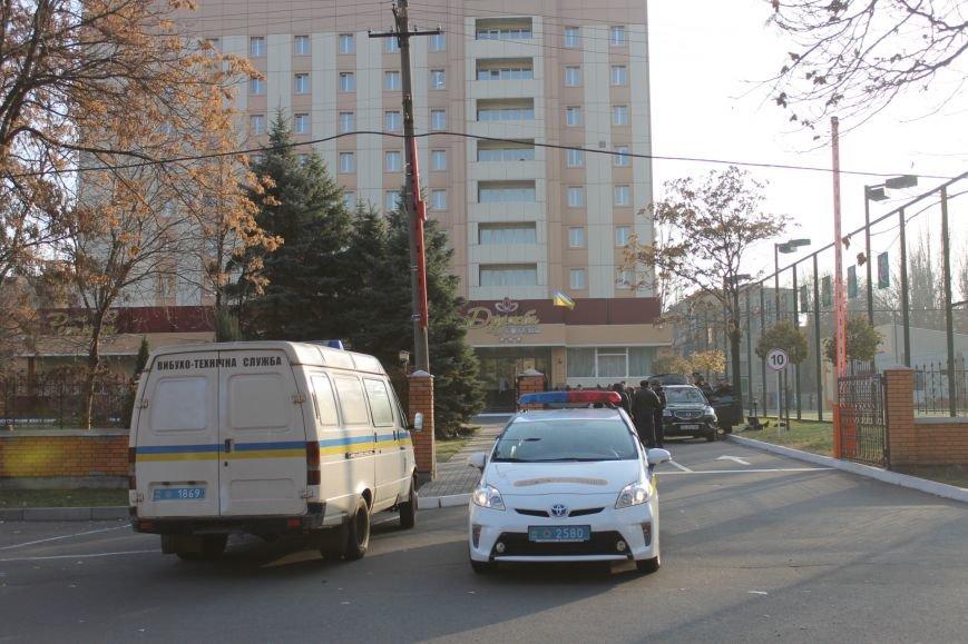 Милиция Кривого Рога  обезвредила бандита, угрожавшего гранатой (ФОТО), фото-4