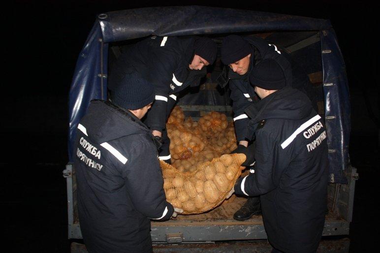 У Кіровограді 18 родин переселенців отримали картоплю, фото-1