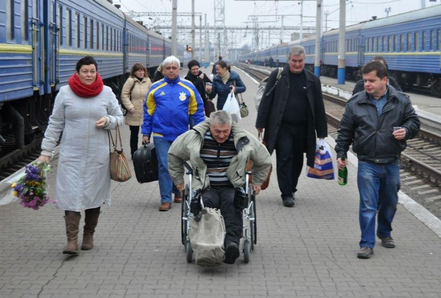 В Запорожье вернулся боец батальона «Донбасс», раненный под Иловайском (ФОТОРЕПОРТАЖ), фото-11