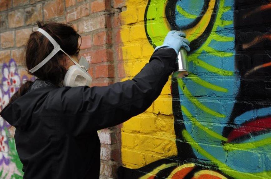 Черкаська художниця прикрашає місто шедеврами (фото), фото-1