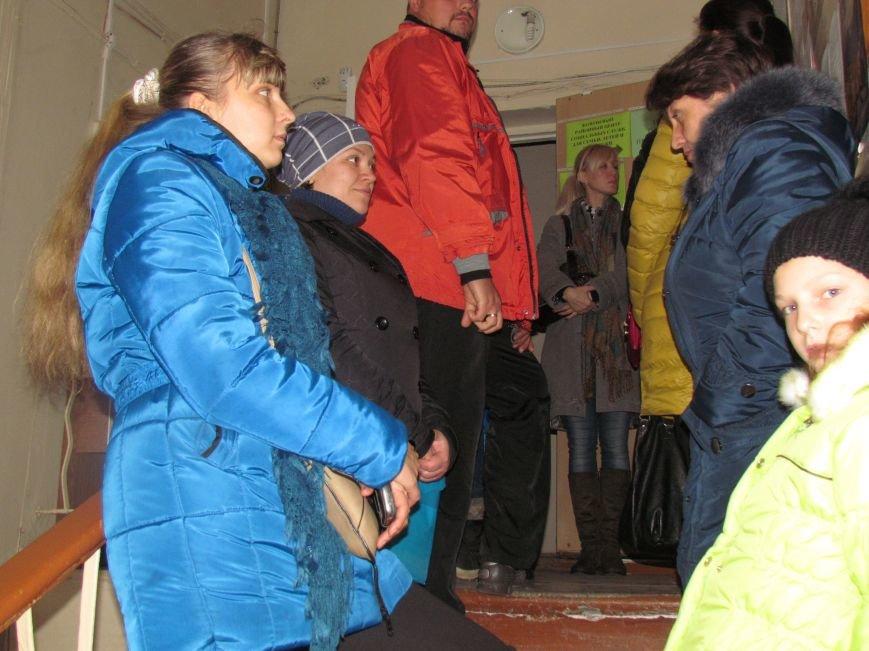 Пенсионеры из оккупированных территорий едут в Мариуполь за пенсиями (ФОТО), фото-1