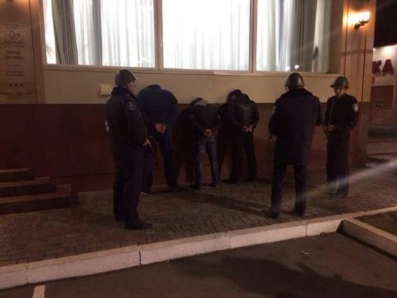 Командир спецбатальона «Кривбасс», рискуя жизнью, обезвредил бандита с гранатой (ОПЕРАТИВНАЯ СЪЕМКА ), фото-3