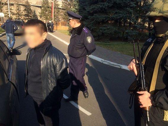 Командир спецбатальона «Кривбасс», рискуя жизнью, обезвредил бандита с гранатой (ОПЕРАТИВНАЯ СЪЕМКА ), фото-6