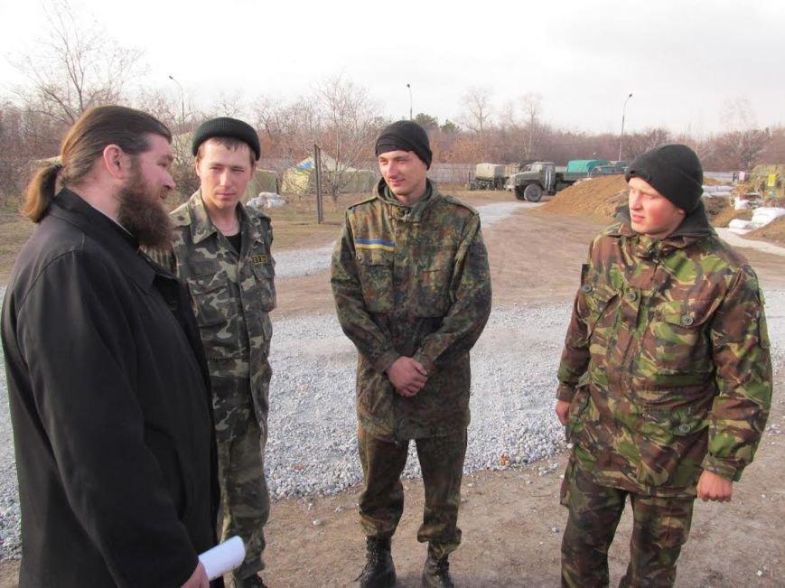 В Мариуполь из Луганска прибыли мощи 12-ти святых воинов (ФОТО), фото-1