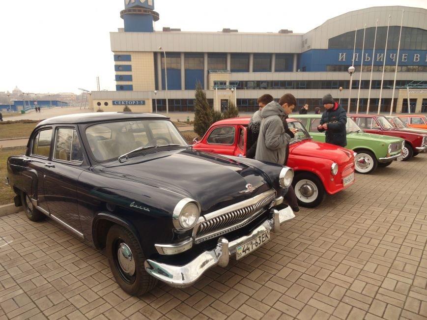 На улицах Мариуполя появились раритетные автомобили (ФОТОРЕПОРТАЖ), фото-12