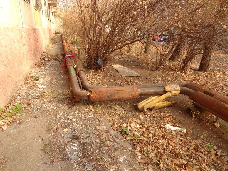 Мариупольтеплосеть продолжает щедро обогревать улицы  (ФОТОФАКТ), фото-6