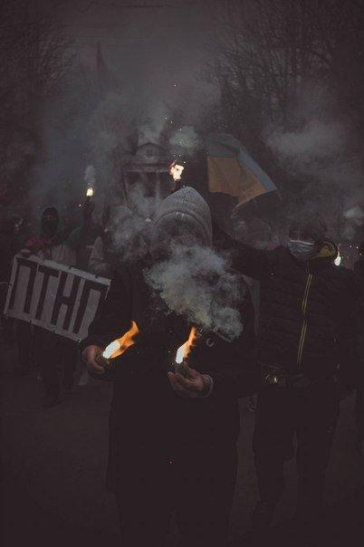 Молодежь Красноармейска прошла по городу «Маршем патриотов», спела песню про Путина и собрала деньги для раненых бойцов АТО, фото-10