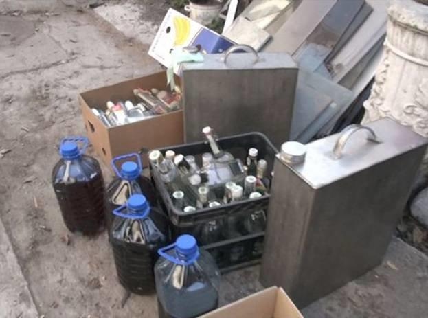 На подпольном водочном заводе в Запорожье обнаружили арсенал оружия (ФОТО), фото-1