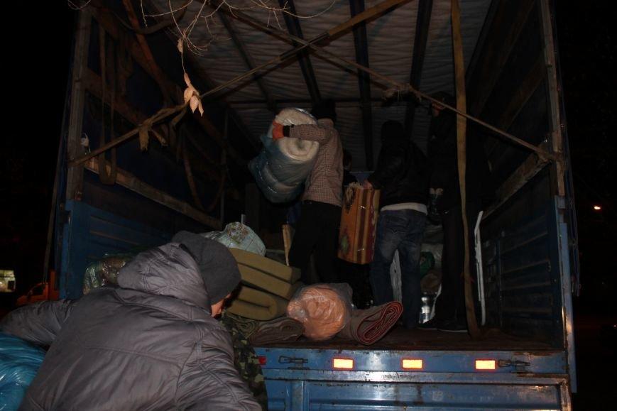 Боец с позывным «Борода» даже во время своего отпуска помогает армии и передает «гуманитарку» в зону АТО(ФОТО), фото-14