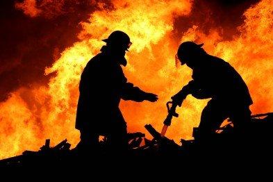 В Кривом Роге: перевернулся КамАз, во время пожара удалось спасти двоих мужчин, волонтеры отправились в АТО, фото-3