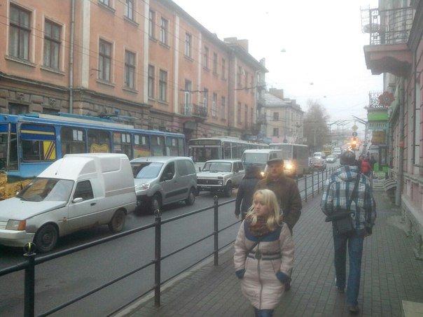 У Тернополі зупинився рух тролейбусів (фото), фото-2