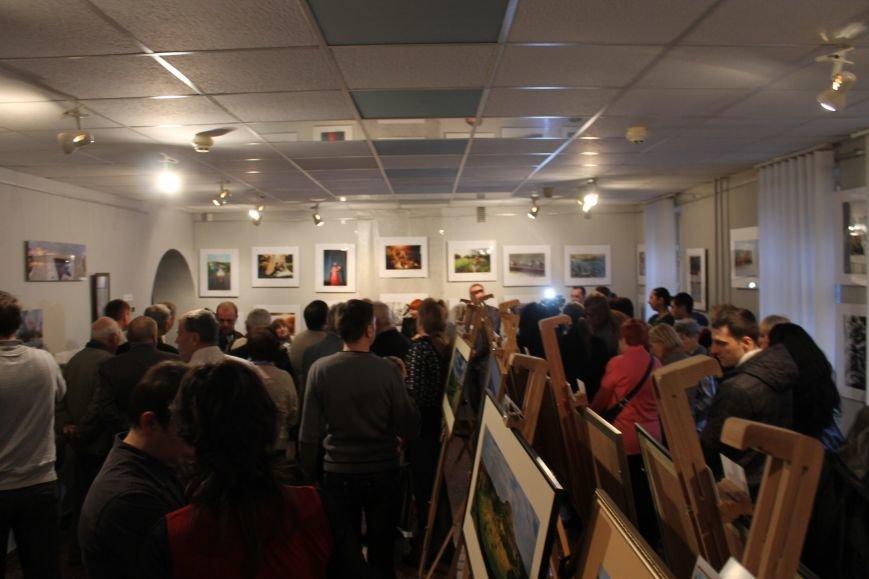 В Кривом Роге открылась фотовыставка, посвященная 90-летию «Червоного гірника»(ФОТО), фото-1