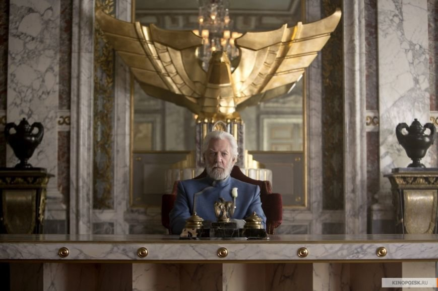 kinopoisk.ru-The-Hunger-Games_3A-Mockingjay-Part-1-2506764