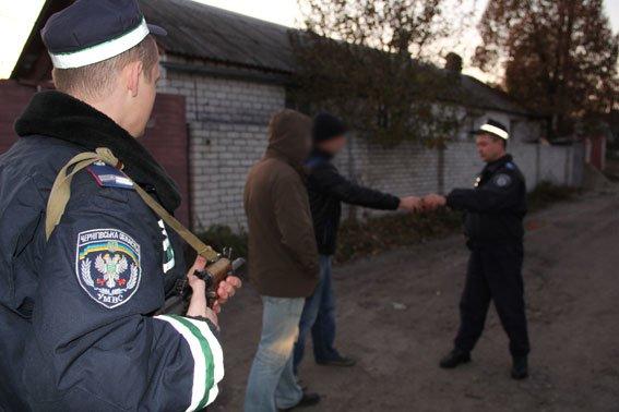 В Чернигове пойманы серийные воры, обокравшие 20 квартир, фото-1