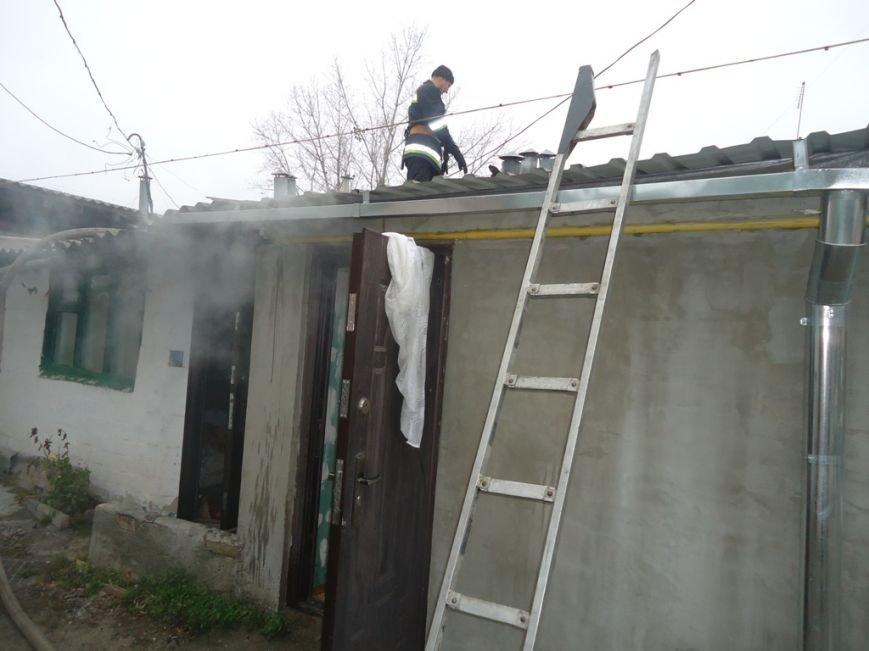 В Херсоне горел перестенок между квартирами, фото-1