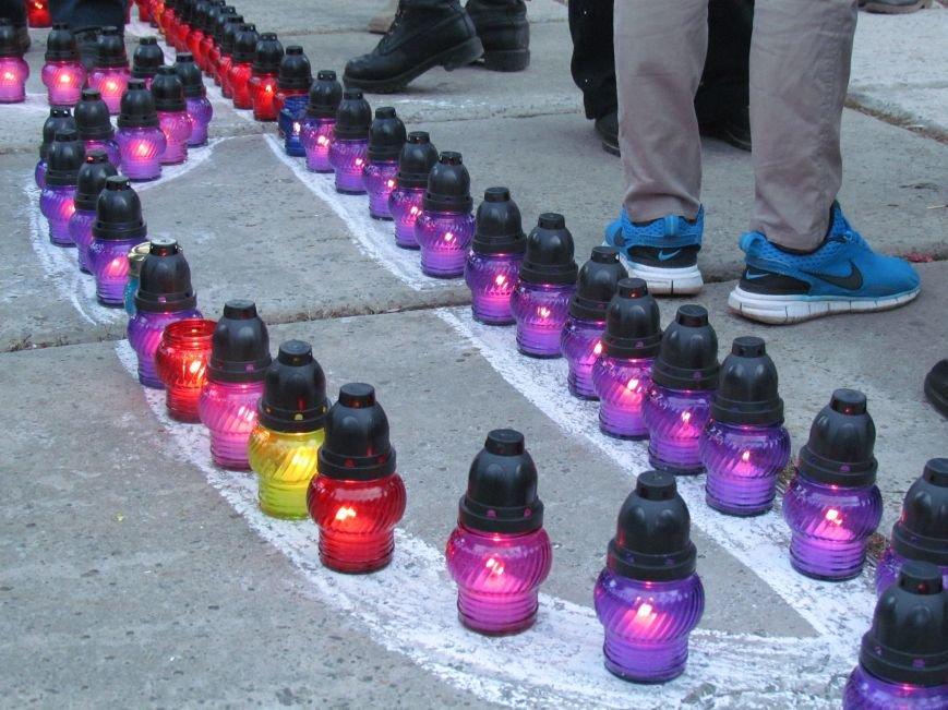 В Мариуполе на площади павшего Ленина зажгли герб Украины (ФОТОРЕПОРТАЖ+ВИДЕО), фото-16
