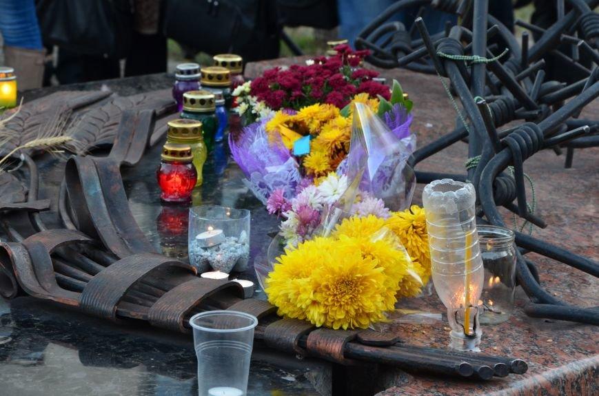 В Мариуполе почтили память жертв голодомора (ФОТОРЕПОРТАЖ+ВИДЕО), фото-8