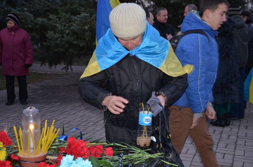 В Мариуполе почтили память жертв голодомора (ФОТОРЕПОРТАЖ+ВИДЕО), фото-38