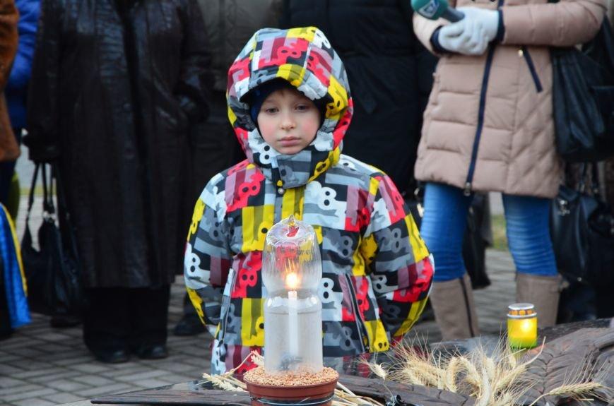 В Мариуполе почтили память жертв голодомора (ФОТОРЕПОРТАЖ+ВИДЕО), фото-7