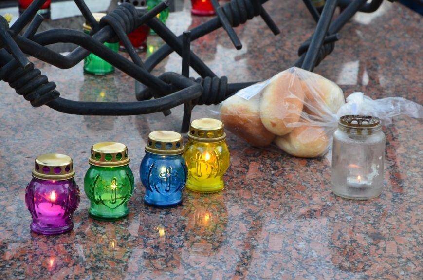 В Мариуполе почтили память жертв голодомора (ФОТОРЕПОРТАЖ+ВИДЕО), фото-10