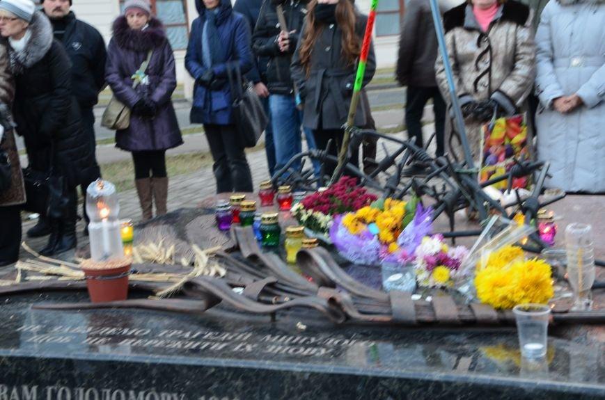 В Мариуполе почтили память жертв голодомора (ФОТОРЕПОРТАЖ+ВИДЕО), фото-12