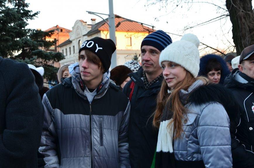 В Мариуполе почтили память жертв голодомора (ФОТОРЕПОРТАЖ+ВИДЕО), фото-6