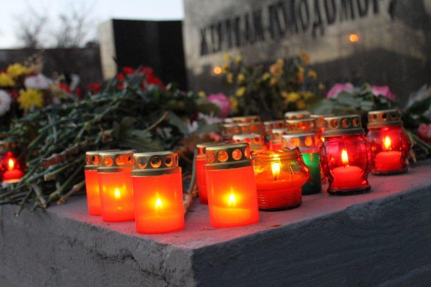 В Кривом Роге националисты почтили память жертв Голодоморов и политических репрессий без представителей городской власти (ФОТО), фото-9