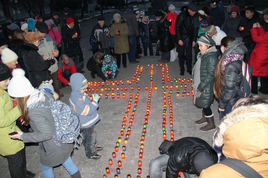 Сумчане выложили крест из свечей, и прошлись маршем в память жертв Голодомора (ФОТО), фото-8
