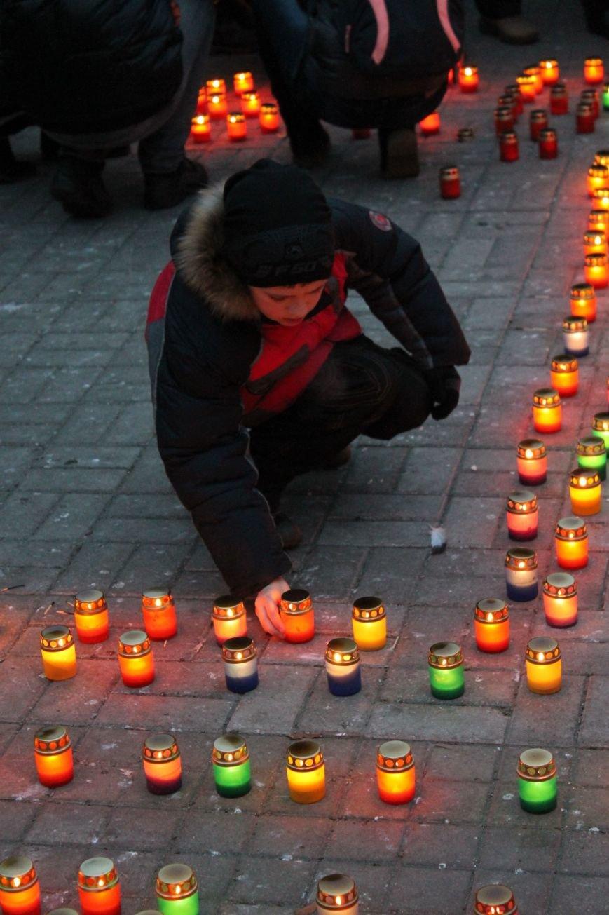 Сумчане выложили крест из свечей, и прошлись маршем в память жертв Голодомора (ФОТО), фото-6