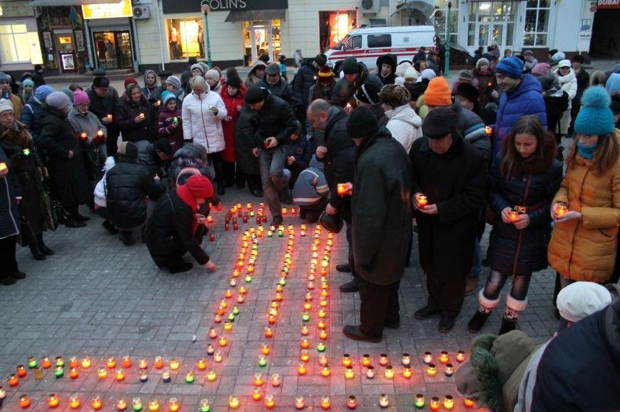 Сумчане выложили крест из свечей, и прошлись маршем в память жертв Голодомора (ФОТО), фото-7