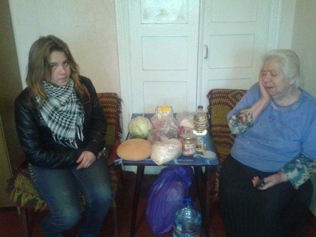Для помощи местным жителям авдеевцы создали группу «Движение волонтеров Авдеевки» (фото), фото-2