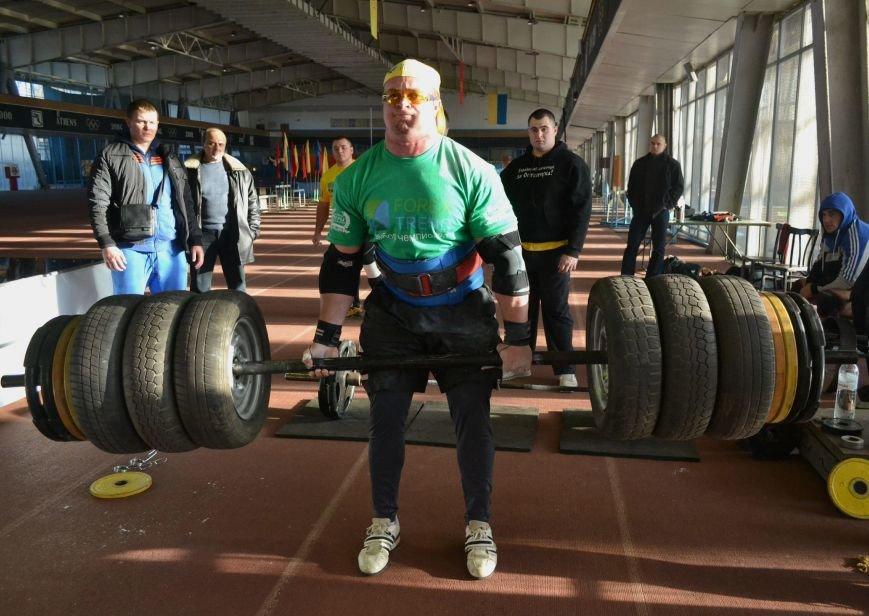 В Запорожье на суперфинале богатыри таскали железо и автомобильные колеса (ФОТО), фото-2